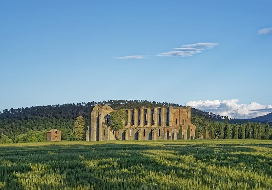 San Galgano storia e leggenda